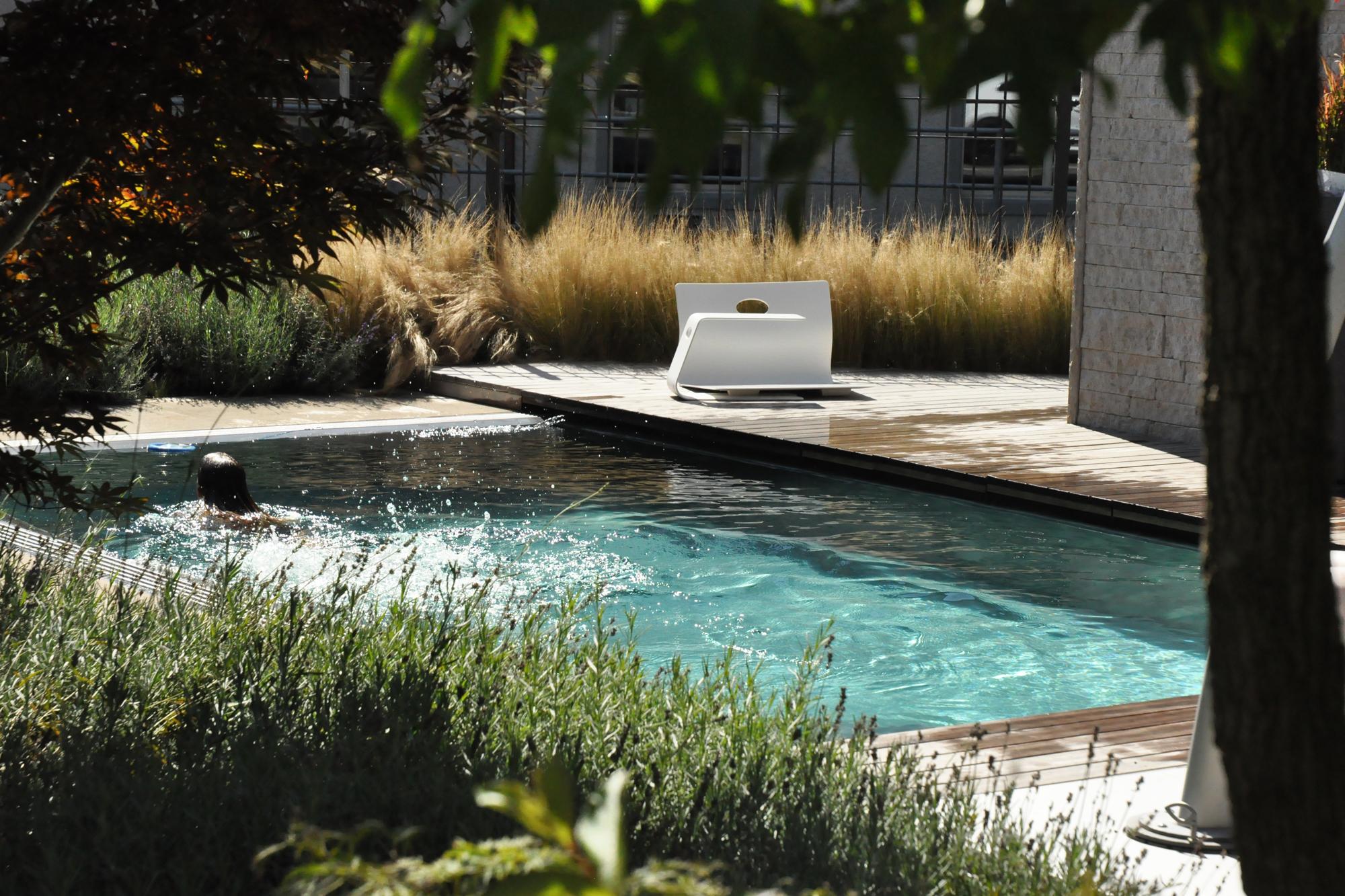 Natürlicher_Swimming-Pool_Gartenvilla