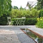 Wasserspiel-Brunnen-kleiner-Garten