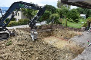 Aushubarbeiten für den Poolbau