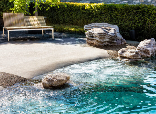 swiss-spa-pool-egli-jona-poolbau-beispiel-gartenvilla