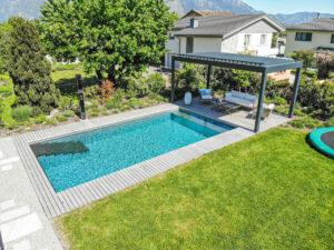 gartengeplaetscher-schwimmteich-ohne-pflanzen-3