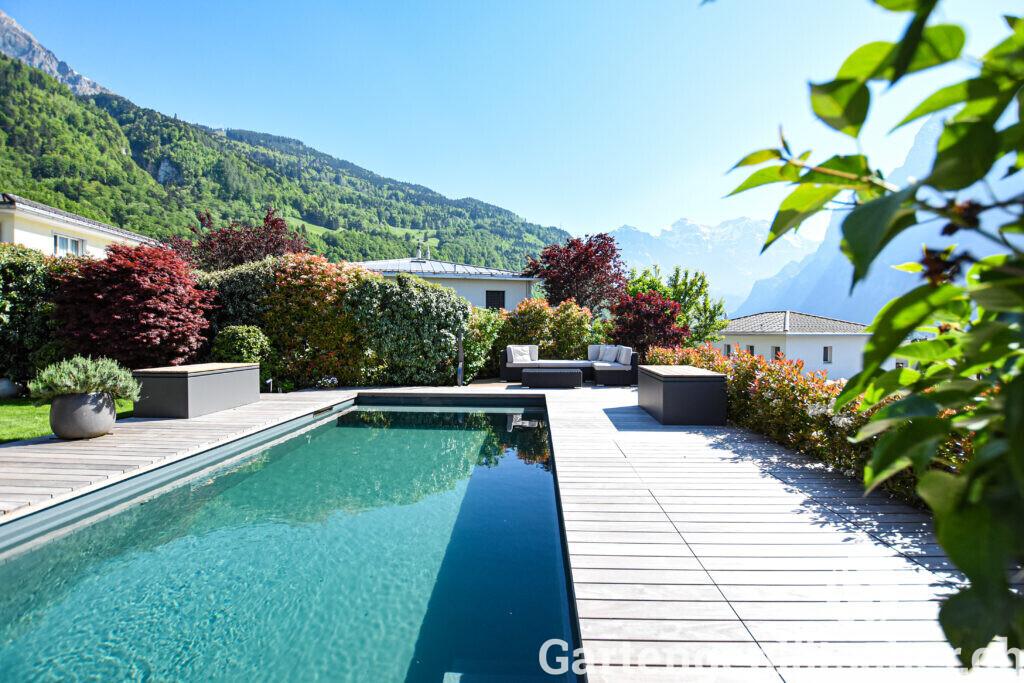 living-pool-egli-jona-gartenbau-referenz-garten-berg-aussicht-5