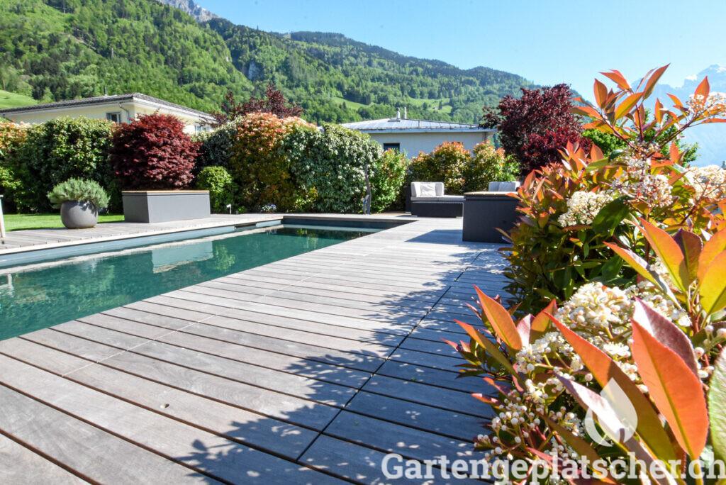 low-living-pool-egli-jona-gartenbau-referenz-garten-berg-aussicht-20