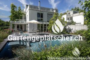low-naturnaher-garten-mit-pool-ohne-chlor-egli-jona-parcs-1
